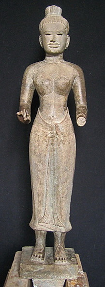 Red List protects Cambodian antiquities: Female divinity © NMC