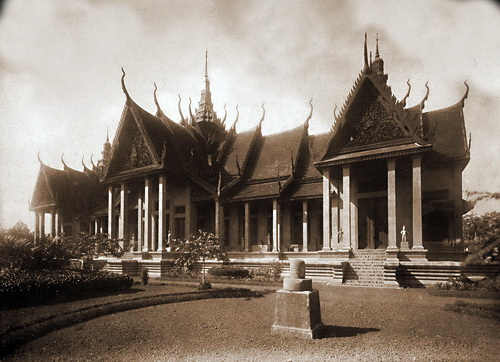 Its classic Khmer style and sweeping spires make the National Museum of Cambodia one of the most beautiful repositories of art and heritage in the world.