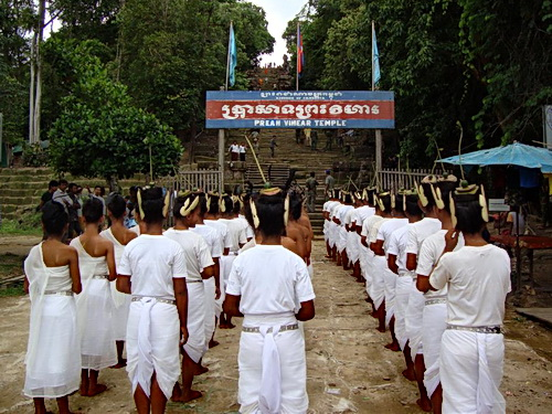 The sacred dancers began their blessing ritual at the foot of the mountain holding Preah Vihear temple.