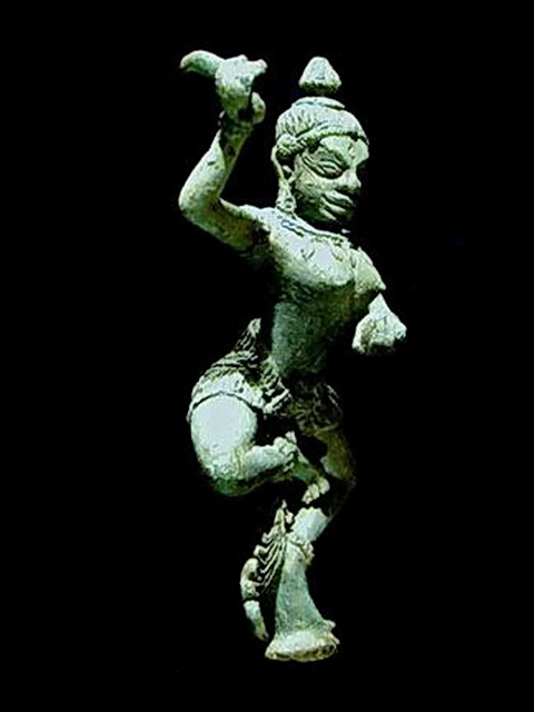Khmer bronze Tantric yogini with clues to Southeast Asian rituals.