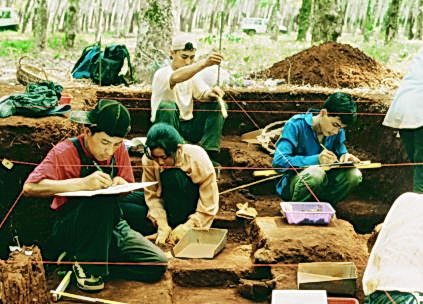 The Memot Centre for Archaeology attracts students and teachers from around the world, working here at a Memot historical site.