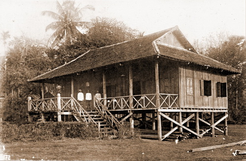 Courthouse in Sisophon, near Banteay Chhmar. 1924. © National Museum of Cambodia