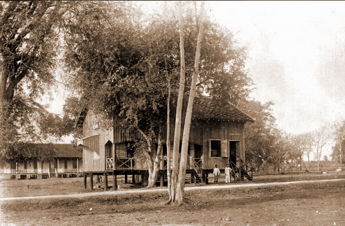 Banteay Chhmar government building, 1924. © National Museum of Cambodia