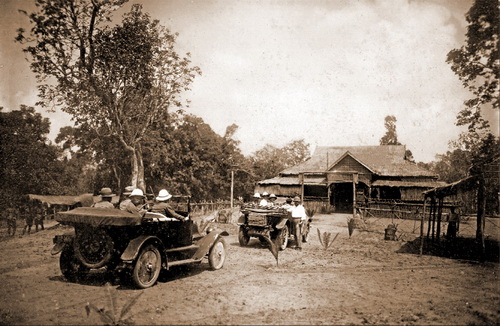 George Groslier's motorcars arrive at Banteay Chhmar in 1924. © National Museum of Cambodia