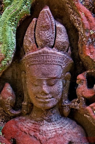 Preah Khan Khmer temple - Devata goddesses of the shadows.