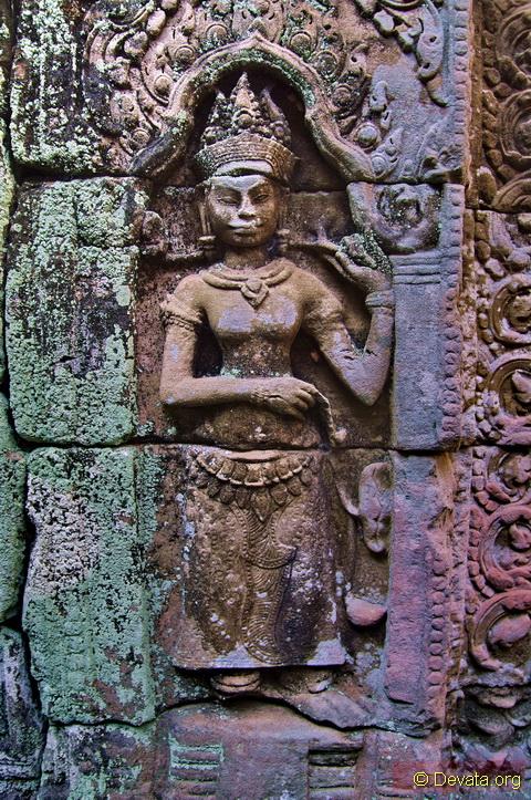 Preah Khan Khmer Temple Devata Goddesses Of The Shadows